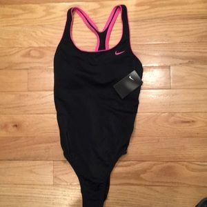 Nike Women's Solid Powerback 1 Piece Swimsuit New!